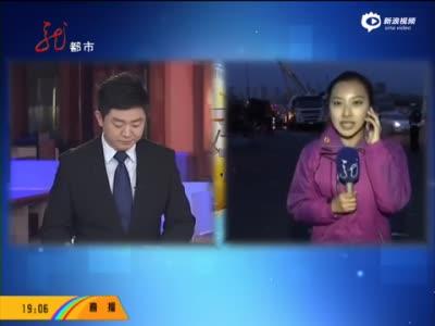 监拍水泥车侧翻连砸5车致2死多伤 出租车被砸扁