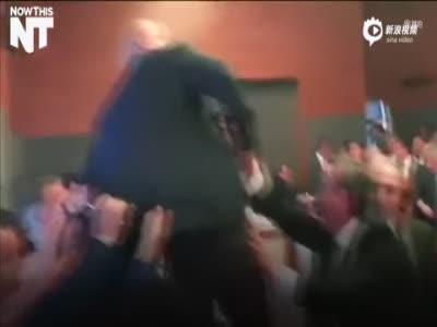 实拍土耳其议会又演全武行 议员挥拳群殴