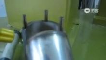 双工位45度一体焊接机。刘13630402789.邹13822424282.(来自拍客手机客户端 下载地址:http://video.sina.com.cn/app/sinapaike.html)