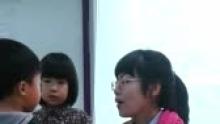 @lingjiao2012 今天宝贝是小班长,一点都不紧张!(来自拍客手机客户端 下载地址:http://video.sina.com.cn/app/sinapaike.html)