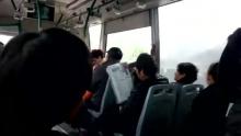 绍兴路400弄打的太难,只好坐72路公交了。。(来自拍客手机客户端 下载地址:http://video.sina.com.cn/app/sinapaike.html)