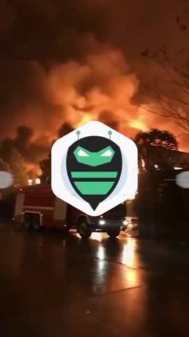 视频-长沙一包装厂突发火灾!火光蔓延直冲天空