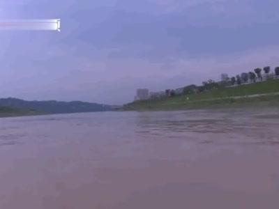 四川七旬老人看汛期涨水被洪水冲走 漂流三公里后获救