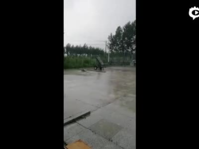 震撼!火箭弹、飞机齐上阵 吉林人工增雨保粮食安全