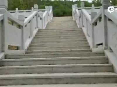 """""""空军英雄杜凤瑞""""牺牲地纪念碑"""