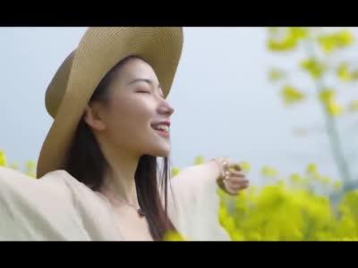 【视频】白龙江畔 油菜花开美如画