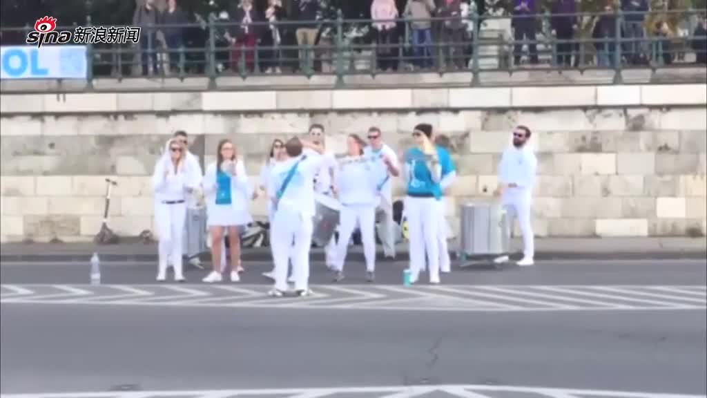 新浪网友从匈牙利布达佩斯投来的参赛作品